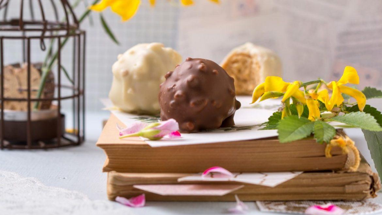 מפנקת: כדורי גבינה בציפוי שוקולד קראנץ'