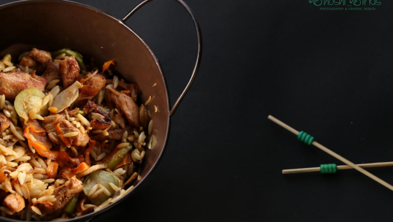 מפנקת: סלט חזה עוף עם פתיתים וירקות מוקפצים