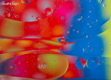 מצלמת: כדוריות מים צבעוניות